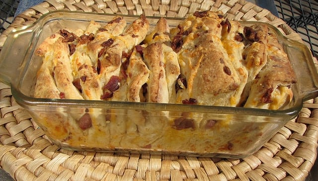 5901366610 2e4e44f14a z Cheesy Bacon Pull Apart Bread
