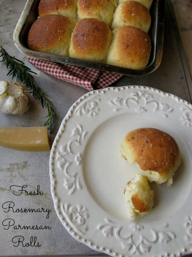 Fresh Rosemary-Parmesan Rolls from Miss in the Kitchen
