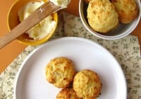 Pepper-Jack Cornmeal Biscuit Bites