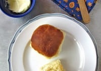 Soft Dinner Rolls with Garlic Butter