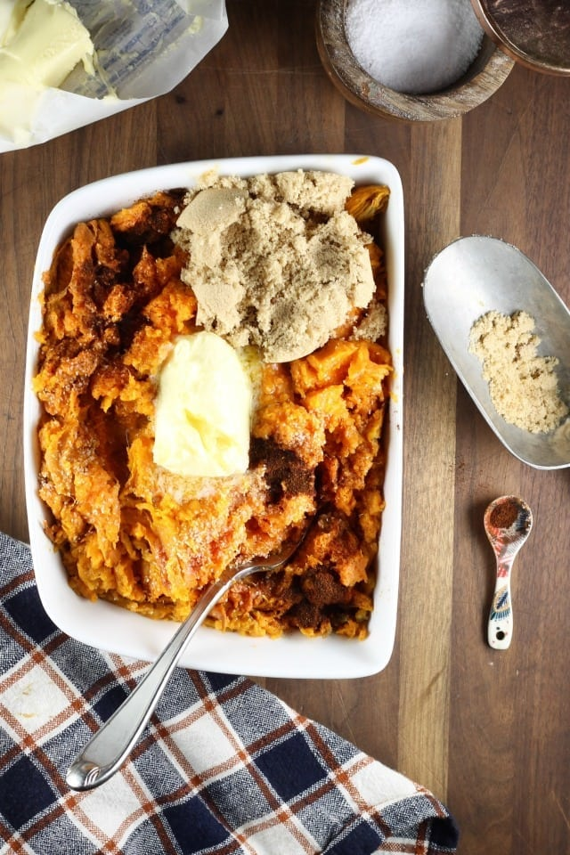 Brown Sugar Chipotle Sweet Potatoes Recipe ~ MissintheKitchen.com #recipe #thanksgiving