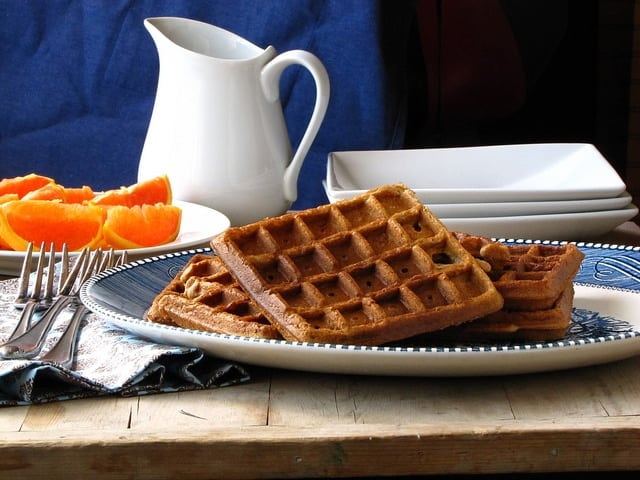 Brown Sugar Cinnamon Waffles | Miss in the Kitchen