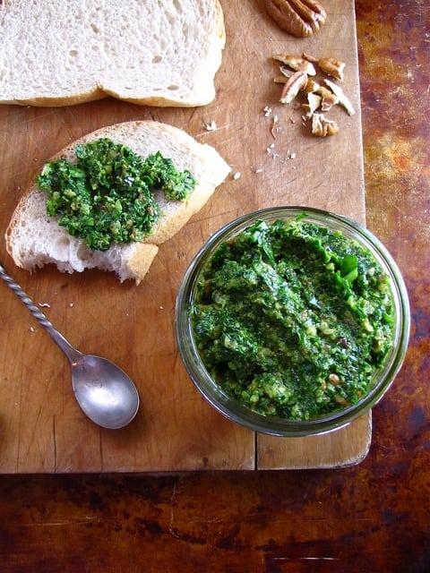Spinach Pesto | www.missinthekitchen.com