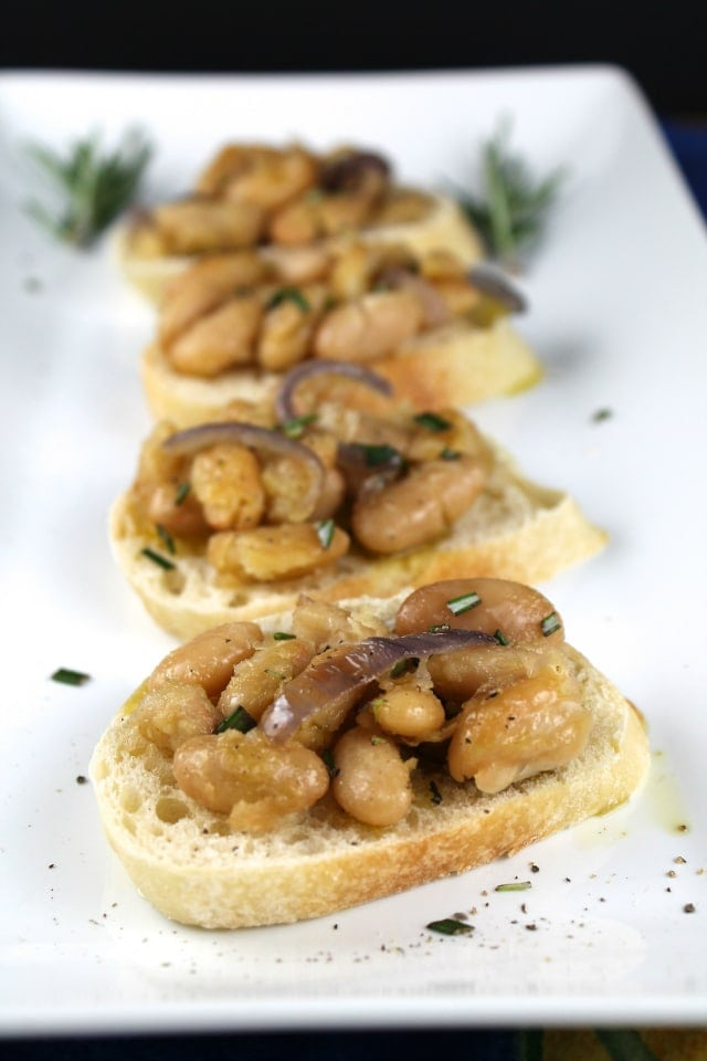 Tuscan White Bean Crostini Recipe