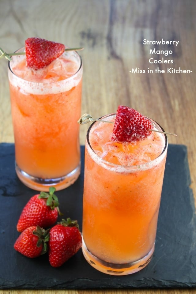 Strawberry mango coolers refreshing family friendly for Refreshing alcoholic drink recipes