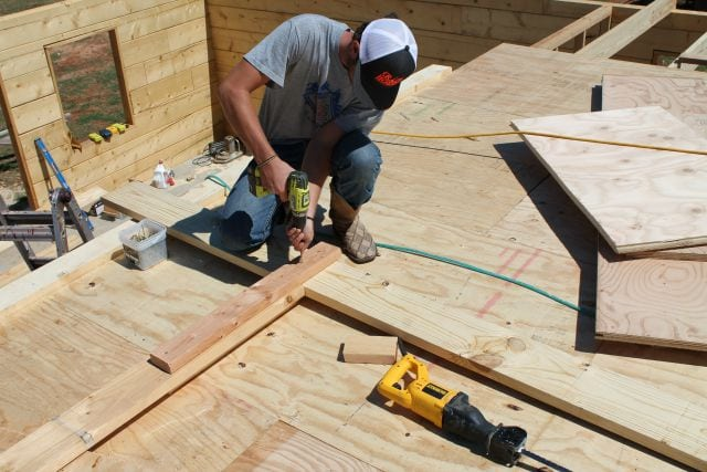 Building center roof joist Log Cabin Saturday #3 Miss in the Kitchen