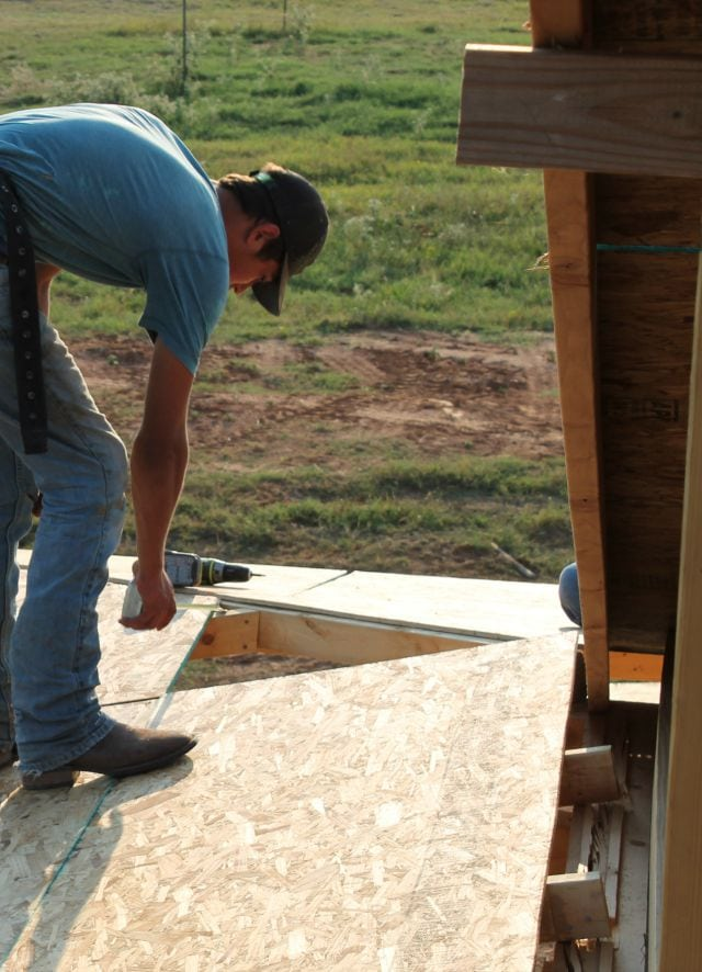 Figuring the angle for the hip porch roof corner  Log Cabin Saturday #4 Miss in the Kitchen