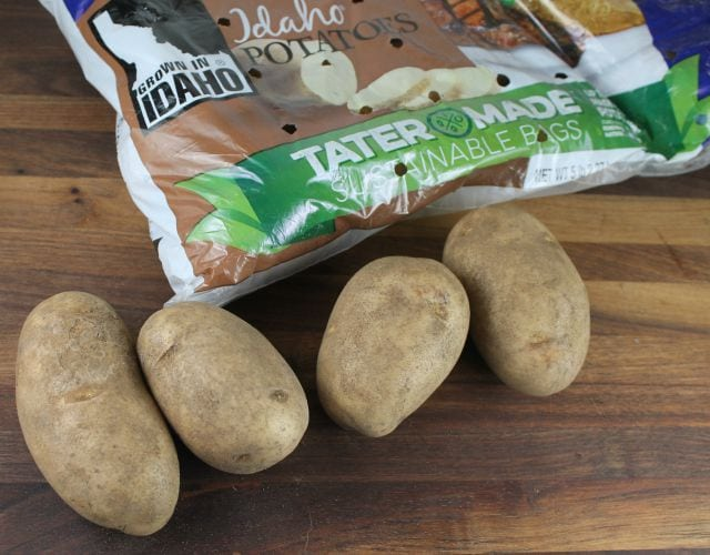 Idaho Potatoes for Slow Cooker Cheesy Smoked Sausage and Potato Soup missinthekitchen