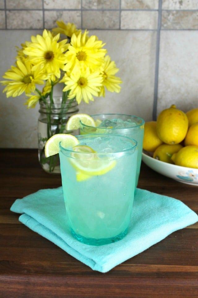 Classic Homemade Lemonade Recipe for Wayfair #SpringInspired from MissintheKitchen #ad
