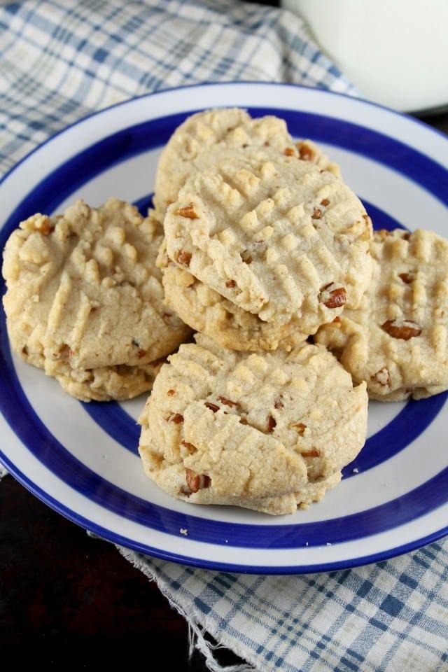 Recipe for Pecan Sandies Cookies from MissintheKitchen.com