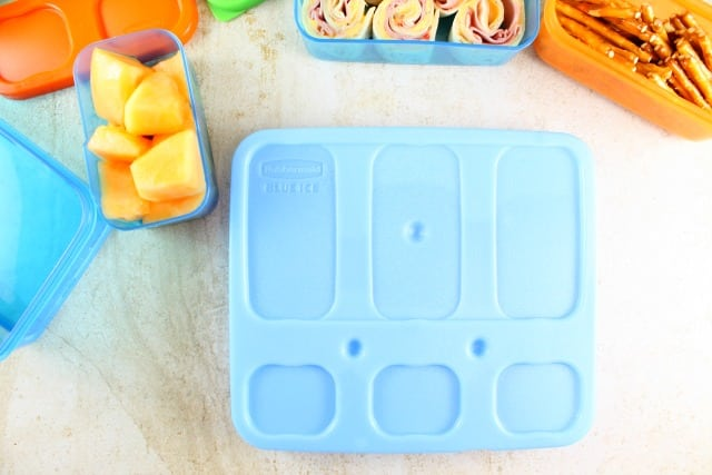 Blue Ice pack for Rubbermaid LunchBlox ~ Easy Lunch Box Ideas from MissintheKitchen #ad