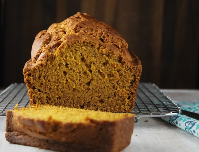 Easy Pumpkin Bread Recipe ~ MissintheKitchen.com