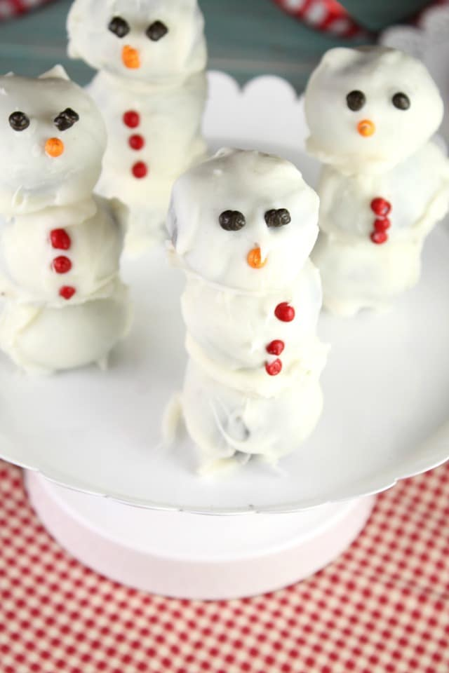OREO Cookie Ball Snowmen Recipe from MissintheKitchen.com