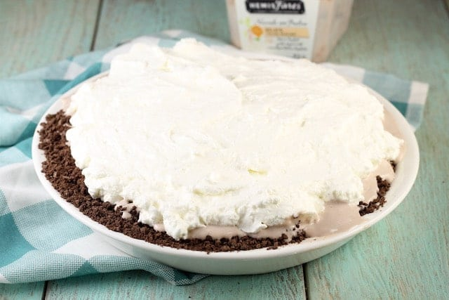 Hazelnut Gelato Pie Recipe ~ MissintheKitchen.com
