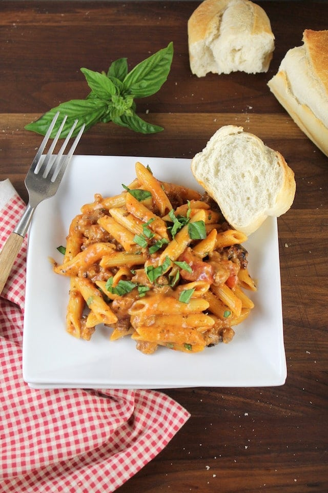 Easy weeknight dinner: One Pot Sausage Penne Pasta Recipe ~ MissintheKitchen.com #sponsored by Barilla