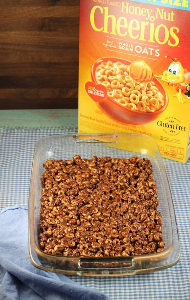 Chocolate Peanut Butter Cereal Bars and Box Tops for Education ~ MissintheKitchen.com #BoxTops @Walmart #ad