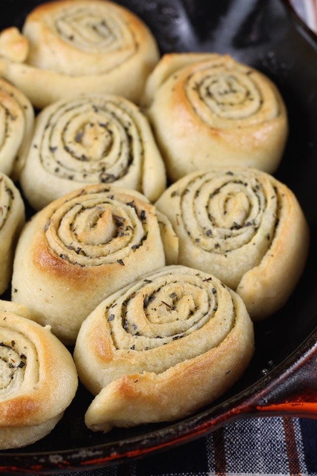 Quick Butter & Herb Dinner Rolls are a delicious addition to any meal! MissintheKitchen.com