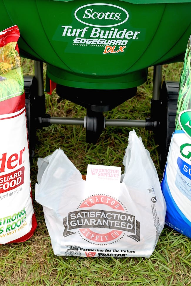 Fall Lawn Care Tips with Tractor Supply & Scotts