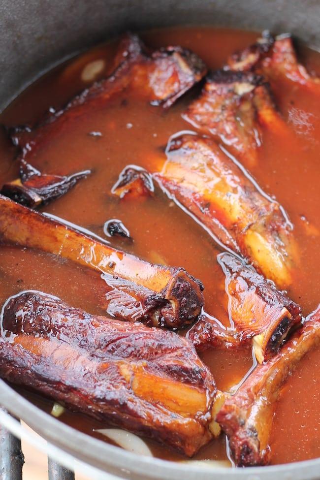 smoked short ribs ~ dutch oven recipe