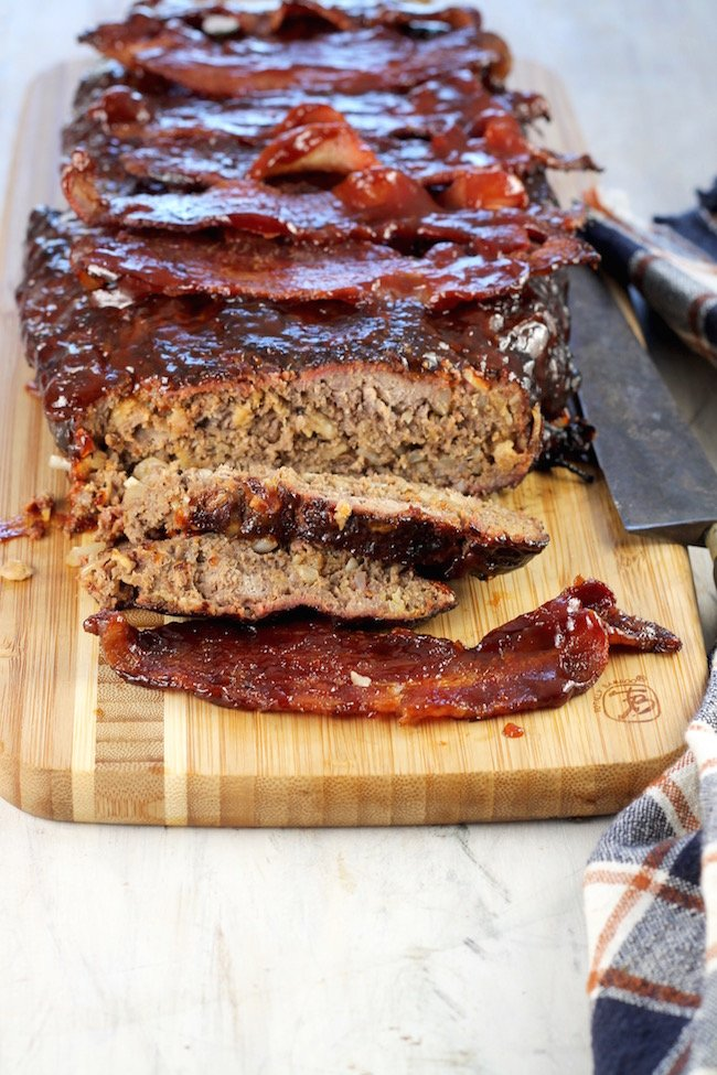 Smoked Meatloaf with barbecue sauce and bacon